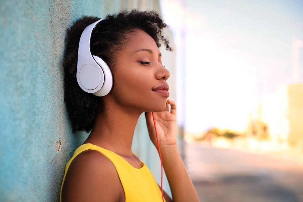 Thả mình vào những bài hát là cách tốt nhất để thấm từng câu từ, ý nghĩa